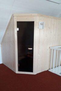 Sauna Vlaardingen met schuin plafond